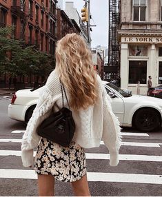 🌼Dreamgirl wearing her Devon Flower Power dress in New York🌼 New York Street Style, Spring Summer Fashion, Spring Outfits, Winter Fashion, Summer City Outfits, Spring Style, Summer Outfit, Instagram Outfits, Instagram Fashion