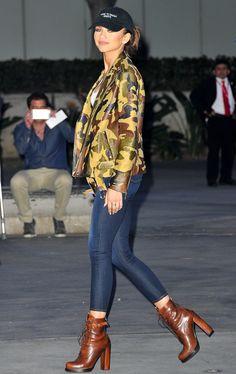 Olivia Culpo Found The Perfect Jeans To Update Your Spring Wardrobe Zendaya rocking a camo print lea Zendaya Street Style, Celebrity Jeans, Zendaya Outfits, Zendaya Fashion, Cool Outfits, Casual Outfits, Denim Outfits, Casual Wear, Zendaya Coleman