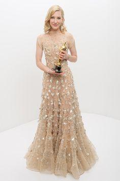 "Cate Blanchett - Best Actress Oscar 2013 for "" Blue Jasmine "". Gown by Giorgio Armani Nice Dresses, Prom Dresses, Formal Dresses, Wedding Dresses, Awesome Dresses, Cate Blanchett Oscar, Armani Gowns, Christian Dior, Oscar Gowns"