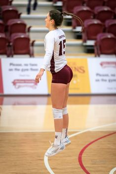Volleyball Outfits, Volleyball Shorts, Volleyball Pictures, Female Volleyball Players, Women Volleyball, Volleyball Inspiration, Little Girl Leggings, Fitness Workout For Women, Sporty Girls