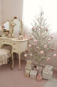 40 First Apartment Ideas Christmas Decorations Shabby Chic (32)