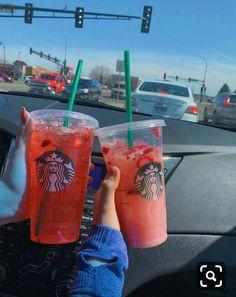 Bebidas Do Starbucks, Café Starbucks, Healthy Starbucks Drinks, Starbucks Secret Menu Drinks, Starbucks Frappuccino, Starbucks Recipes, Starbucks Snapchat, Starbucks Strawberry, Strawberry Acai