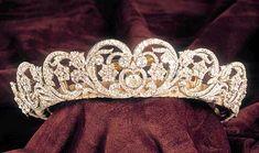 wedding tiaras, wedding day, crown, diamond, royal weddings, families, princesses, princess diana, spencer tiara
