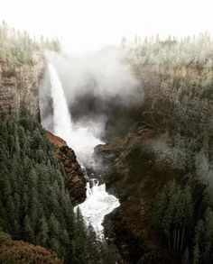Wild waters and mountain air.  #getoutdoors #upknorth Best combination for a city detox. Awesome shot by @maxroams (at Helmcken Falls) #upknorth#getoutdoors