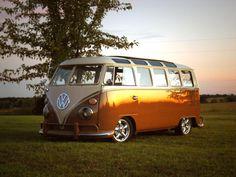 LOVE the safari window VW bus