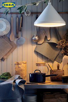Mit unserer VARDAGEN Küchenhelfern gelingt dir jedes noch so kleine Festmahl! 🧑🍳 Ikea Kitchen Organization, Ikea Canada, Store Plan, Kitchen Showroom, Home Planner, Kitchen Utensil Set, Ikea Home, Kitchen Installation, Kitchen Gallery