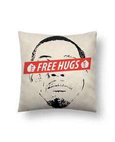Cojín Piel de Melocotón 45 x 45 cm Free Hugs - tunetoo #cojines #decorativos #ideas #salon #modernos #divertidos #estampados #personalizados