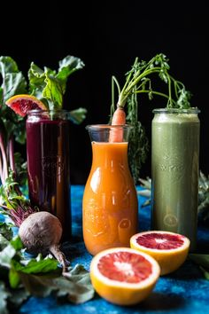 Red's 3 Favorite Winter Juices and Smoothies: Protein Packed Matcha Smoothie/Citrus Beet Juice/Tropical Carrot Juice. Matcha Smoothie, Juice Smoothie, Smoothie Drinks, Fruit Smoothies, Smoothie Bowl, Healthy Smoothies, Healthy Drinks, Smoothie Recipes, Healthy Recipes