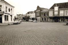VLISSINGEN – Foto's uit de oude doos van winkels in de Vlissingse binnenstad. Vanwege het succes op de Facebookpagina van Hart van Vlissingen, hierbij een serie foto's van winkels in Vlissingen.