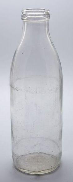 Dutch Glass Milk Bottle, one liter, produced from 1968 till 1990 by Verenigde glasfabrieken Schiedam