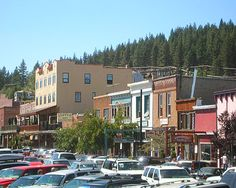 Truckee CA, Amy & I drove up there from the South Shore during my 50th B/D trip!  Quaint and Picture Perfect little city on the outskirts of Donner Lake CA.  Near Ski Resorts and Lake Tahoe and Donner Historic Stake Park.