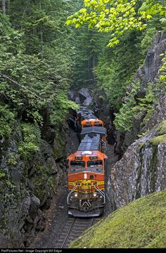 BNSF GE 9-44CW SCENIC WASHINGTON