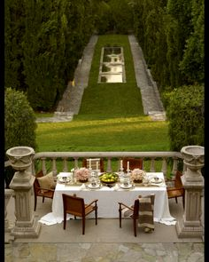 Brick and Ivy: Inspire: Ralph Lauren home - Anna Marie Cimarolli - PickPin Outdoor Rooms, Outdoor Dining, Outdoor Gardens, Outdoor Furniture Sets, Formal Gardens, Garden Furniture, Dream Garden, Home And Garden, Garden Inspiration