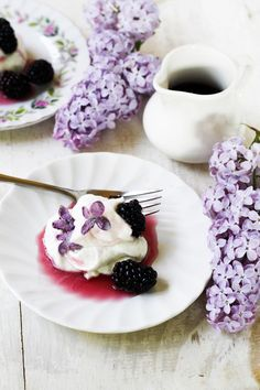 Lilac and Blackberry Pavlovas | Substitute sugar for SweetLift! Make it a healthy, delicious, and beautiful dessert