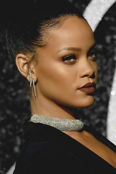 Kendall Jenner's MET Gala Dress Might Upset Kim Kardashian Rihanna Makeup, Rihanna Fenty, Bridgetown, Kendall Jenner Met, Jenifer Lawrence, Met Gala Red Carpet, Rihanna Style, Bad Gal, Actresses