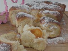 Germteig Buchteln mit Marmeladenfülle Bakery, Bread, Desserts, Food, Marmalade, Healthy Food, Easy Meals, Food And Drinks, Tailgate Desserts