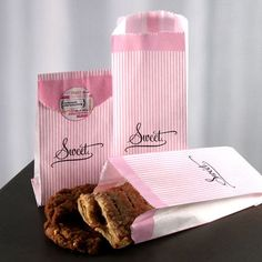 """People love, love, love this candy buffet bag.  """"I love these bags. They are well made and very unique in design."""" """"Perfect size for candy buffet"""" - Sweet, $13.98 #weddingcandybuffet #weddingfavorideas #wedding"""