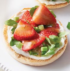 Strawberry, Goat Cheese and Arugula Sandwiches are the epitome of spring, aren't they? They're like a salad and a sandwich rolled into one.