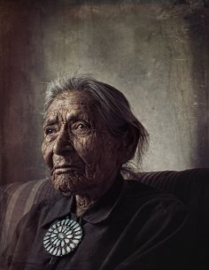 Navajo (Diné) by Dean Bradshaw on image from the Navajo (Diné) Reservation - this time of an 89 year old woman Native American Women, Native American History, Native American Indians, American Spirit, We Are The World, People Of The World, Navajo Women, Navajo People, Portraits
