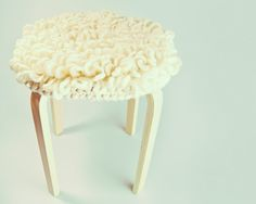 Loops stitch stool cover--free pattern | Blog