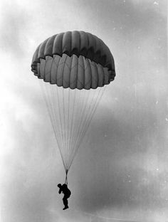 An German Paratrooper. Date/location unknown.