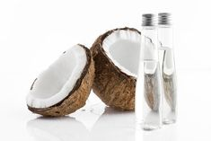 Coconut Oil Offers Hope for Antibiotic-Resistant Germs & Kills Candida Yeast Infections Coconut Oil Beauty, Coconut Oil Uses, Benefits Of Coconut Oil, Coconut Water, Homemade Beauty, Diy Beauty, Beauty Hacks, Candida Yeast Infection, Beauty Recipe
