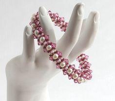 Beaded Bracelet Tutorial Sweetness and Light. $5.00, via Etsy.