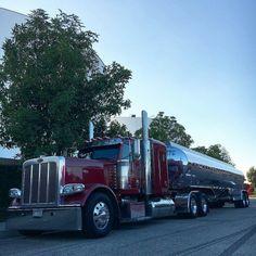 Peterbilt and tanker Heavy Duty Trucks, Big Rig Trucks, Semi Trucks, Cool Trucks, Peterbilt 389, Peterbilt Trucks, Busses, Rigs, Tractors