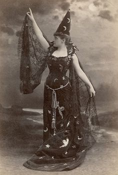 spellbound-one:  Victorian witch