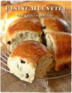 Panini all'uvetta con lievito madre - Sweet sourdough raisins rolls