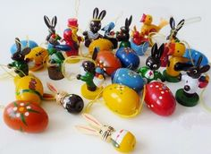 10 Vintage Hand Painted Easter Ornaments Erzgebirge by oppning https://www.etsy.com/listing/180623088/ €7