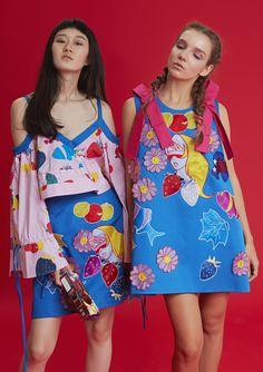 Quirky Fashion, Colorful Fashion, Pop Fashion, Runway Fashion, Fashion Show, London Fashion, Fashion Outfits, Fashion Design, Fashion Trends