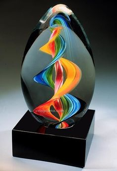 Rainbow Twist Art-Glass Egg shaped Sculpture on Marble Base *(research the glass artist)*? Blown Glass Art, Art Of Glass, Glass Paperweights, Glass Vase, Fused Glass, Stained Glass, Cristal Art, Glas Art, Egg Art