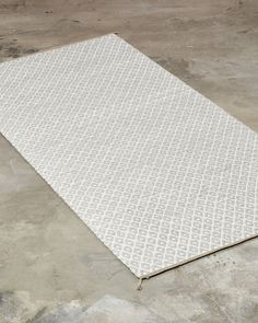 The supplier of finest custom handmade rugs. Woven only from the finest natural materials - These rugs are timeless through generations. Diagonal Line, Handmade Rugs, Choices, Weaving, Vibrant, Rag Rugs, Colours, Collection, Design