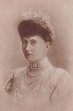 Queen Sophie of Greece wearing her diamond tiara