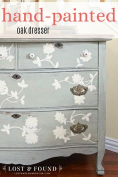 See how I used milk paint to with this dresser makeover, adding hand-painted accents to this gorgoeus oak dresser! #handpaintedfurniture #painteddresser #dressermakeover Dresser Furniture, Furniture Diy, Flipping Furniture, Rustic Furniture, Custom Painted Furniture, Painted Furniture, Flip Furniture For Profit, Cool Furniture, Diy Furniture Projects