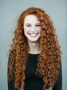 curly perms for long hair - Google Search Natural Red Hair, Natural Redhead, Natural Beauty, Natural Lips, Asian Beauty, Redhead Girl, Irish Redhead, Brunette Girl, Beautiful Redhead
