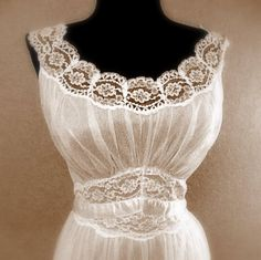 Chiffon Lace Bed Jacket / Nightgown Peignoir by Vanity Fair