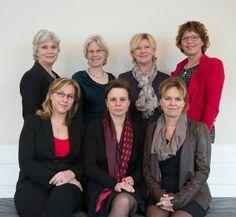 Het team vam dames-uitvaartverzorgers Brokking&bokslag uitvaartbegeleiding in Heemstede/Haarlem en omgeving.