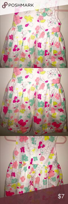 Carter's floral dress size 18 Months Cute Carter's dress size 18 Months. Worn only once. Carter's Dresses