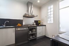 Picture of the Kitchen detail in the apartment in rental in Eixample  Sant Pau
