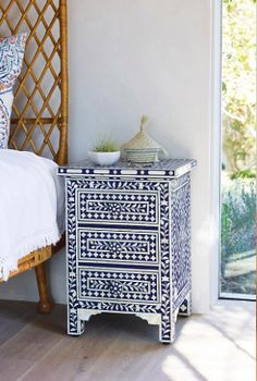 Bone Inlay Nightstand I'm not crazy about the nightstand itself, but I would love this kind of tile pattern in the bathroom Furniture Makeover, Home Furniture, Cheap Furniture, Modern Interior, Interior Design, Interior Ideas, Home Design, Painted Furniture, Home Accessories