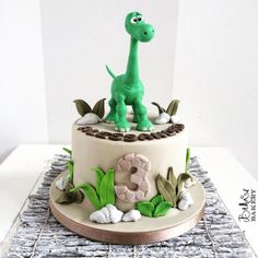 LV - Baby Dino - Love the calm look however no sure if bakery can make this Dinosaur Cakes For Boys, The Good Dinosaur Cake, Dino Cake, Dinosaur Birthday Cakes, 3rd Birthday Cakes, Dinosaur Party, Beautiful Cakes, Amazing Cakes, Dinasour Cake