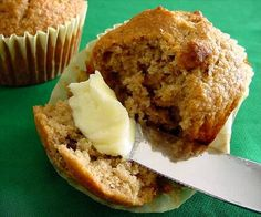 Oat bran is a dominant ingredient and they taste very good! Vanilla Nutrition, Oat Bran Muffins, Muffin Recipes, Bread Recipes, Diet Recipes, Blueberry Oat, Muffin Bread, Breakfast Dishes