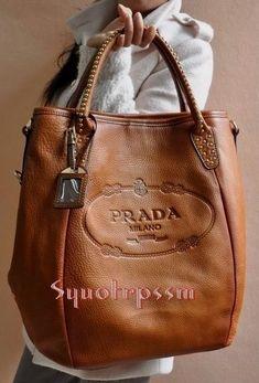 Gotta love the texture and look of this leather!  #hobohandbagsdesigner hobo bag diy