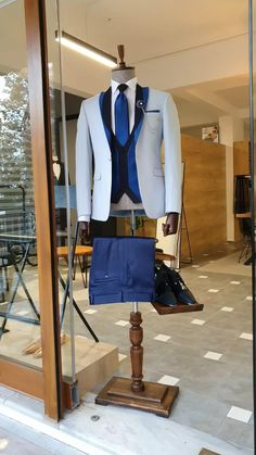 Prom Outfits For Guys, Casual Fall Outfits, Gatsby Men Outfit, Mens Summer Wedding Suits, Blue Tuxedo Wedding, Bond Suits, Bomber Jacket Outfit, Dapper Suits, Purple Suits