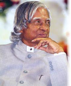 Vairamuthu Poem For APJ Abdul Kalam | விண்ணைப் புதைத்தோம் மண்ணிலே! | 108809 | VIKATAN