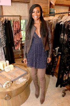 Gabrielle Union kept it cute and casual in a printed short dress and thigh high boots. Gabrielle Union, Daily Fashion, Fashion News, Fashion Fashion, Fall Outfits, Cute Outfits, Foxy Brown, Pelo Afro, Beautiful Black Women