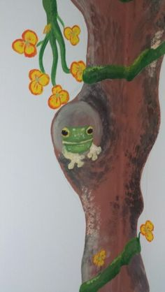 There's a frog in the tree!