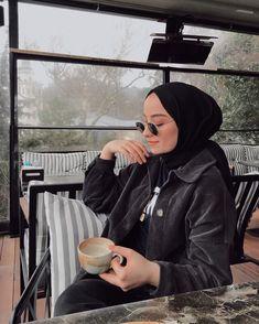 Stylish Hijab, Casual Hijab Outfit, Ootd Hijab, Hijab Chic, Modern Hijab Fashion, Muslim Fashion, Modest Fashion, Fashion Outfits, Neymar